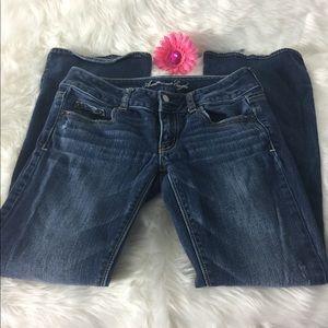 American Eagle Artist Flare Jeans. Sz 2 Short